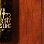 Save Water Drink Riesling – Geiler Name für einen geilen Spaßwein