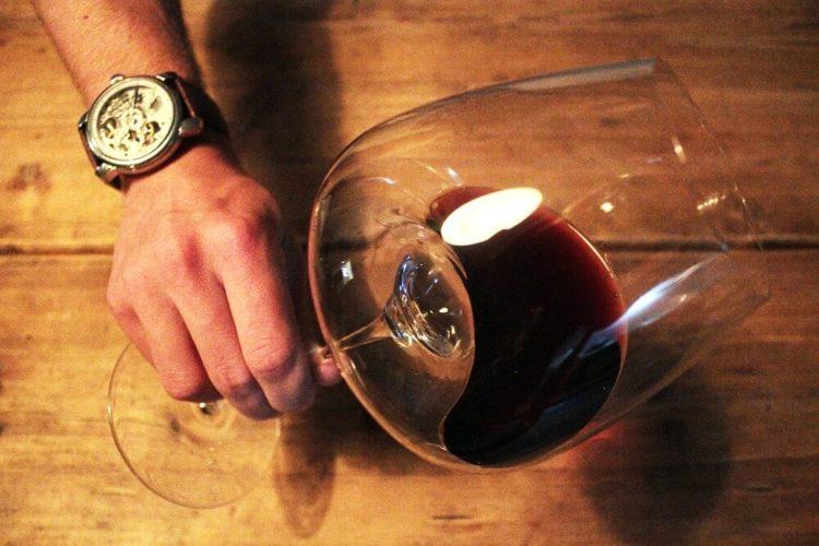 zieher rotweinglas balanced